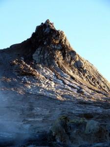 溶岩の噴出